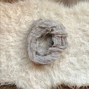 BP Infinity grey/white scarf
